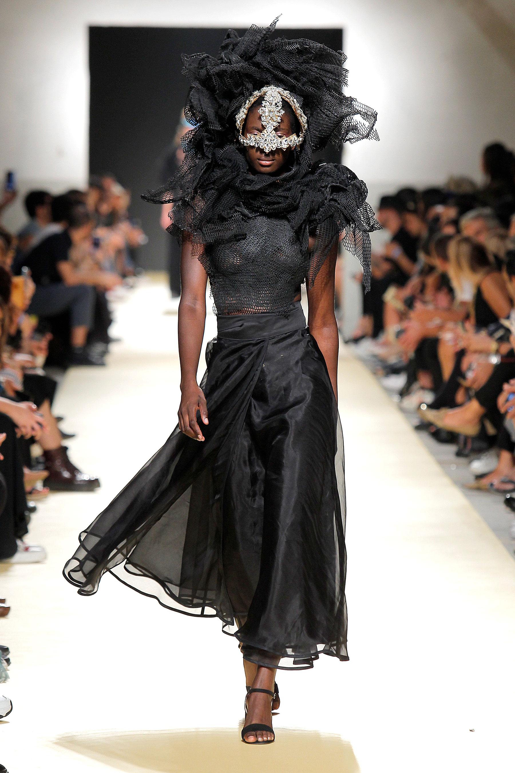 vestidos de noiva pretos: as sugestões da Lisboa Fashion Week 2019